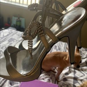 Gorgeous heels 👠 sz 10 never worn